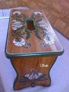 "Photo in the album ""Népi bútorfestés - virágozás"" by Seki óvóka Diy Home Crafts, Decor Crafts, Art Decor, Furniture Makeover, Diy Furniture, Canal Boat Art, German Folk, Painted Wooden Boxes, Wood Art"