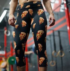 "WINNER, WINNER, PIZZA DINNER!☠️ The tribe has spoken and the winner of our contest is...  @mollysoufrine  You've won: 1️⃣Pair (black) of ""Wicked Gainz"" Pizza Capris 1️⃣Pizza delivered from your favorite local pizza place We'll be sliding into your DM shortly for info. Everyone else can grab these at 9PM EST! The blue version will be available via @feedmefightme! #beastworx #feedmefightme #wickedgainz WWW.BEASTWORX.CO : @benjamin_oliver"
