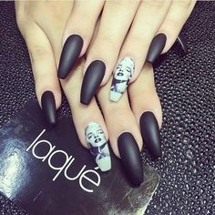 20 Matte Nails - Matte black nails with striking Marilyn Monroe accent nails.