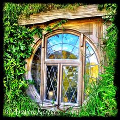 arweninnz:    A beautiful Bag End Window.