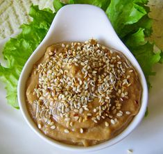 Ореховый соус подойдет для салата Чука, к рису или другим блюдам. Быстрый рецепт вкусного соуса из орехов.