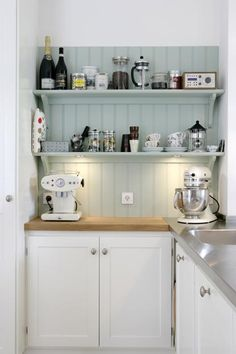cottage kitchen. Open shelving