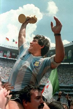Diego Maradona has said that although Lionel Messi is a 'great lad', he does not come close to his World Cup-winning compatriot when it comes to playing the beautiful game. Football Is Life, World Football, Football Soccer, Good Soccer Players, Football Players, Mexico 86, Fifa, Argentina Football, Diego Armando