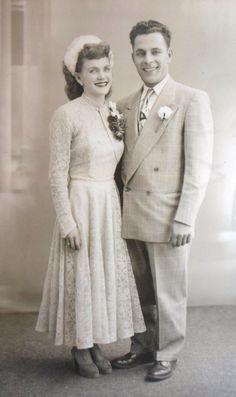 Vintage Wedding Portrait Bride Groom Lace Dress with Matador Jacket Vintage Wedding Photography, Vintage Wedding Photos, Vintage Bridal, Vintage Weddings, 1940s Wedding, Wedding Bride, Wedding Dresses, Wedding Couples, Bride Groom