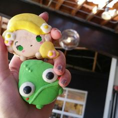 Honey & Butter Macarons - Costa Mesa, CA, United States. Rapunzel and Pascal ^_^