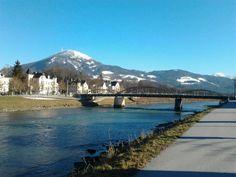 el río, el puente