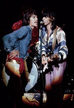 """""""Rolling Stones 50"""", esce il libro che celebra la band"""