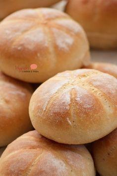 Zwykłe pszenne bułeczki - kajzerki European Dishes, Eastern European Recipes, Scones, Thermomix Bread, Bread Recipes, Cooking Recipes, Macedonian Food, Sweet Dough, Good Food