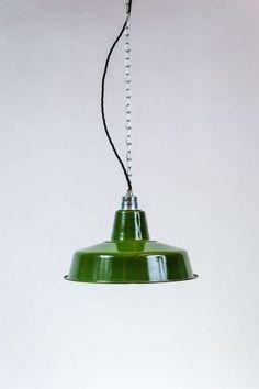 Fabriklampe 31cm Emaillelampe  grün B-Ware von 10kg Design auf DaWanda.com