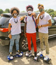 Colored Dreads, Pretty Dreads, Ayo And Teo, Dread Accessories, Rapper Art, Dreads Styles, Tyga, Famous Men, Swagg