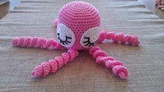 Virkkaan ja värkkään: Virkattu mustekala Catania, Crochet Hats, Kos, Knitting Hats, Aries, Blackbird