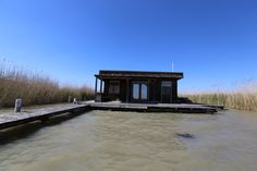 Seehütte in Rust am Neusiedlersee, Burgenland Cabin, Mansions, House Styles, Home Decor, Stilt House, Human Settlement, Real Estates, Decoration Home