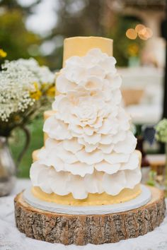 pale yellow & white cake
