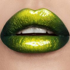 110 Insanely Cool Lip Art Looks You Have to See to Believe - Lippen - Lipstick Lip Art, Lipstick Art, Lipstick Shades, Lipsticks, Lipstick Brands, Green Lipstick, Velour Liquid Lipstick, Lipstick Colors, Natural Lipstick