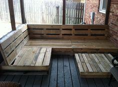 Pallet deck bench