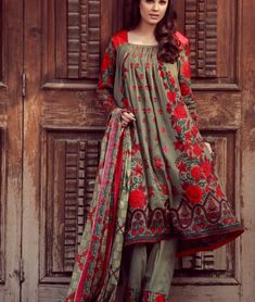 Libas Winter Collection 2017 Designer Embroidered by Shariq Textiles Simple Pakistani Dresses, Pakistani Fashion Casual, Pakistani Dress Design, Pakistani Outfits, Stylish Dresses For Girls, Stylish Dress Designs, Casual Dresses, Frock Fashion, Fashion Dresses