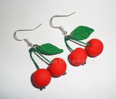 Cherries Handmade Earrings por GeekonDreamland en Etsy