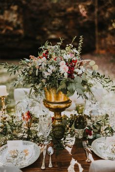 The Marions and Katie Mullins Design take us on a romantic adventure to one of Missouri's natural caves in this Keener Springs wedding inspiration shoot!