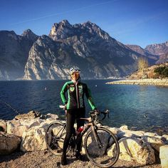 What better way to celebrate this last sunday of 2015 than with the tour of Garda Lake? 140km in 4h38' by lausuperlau.