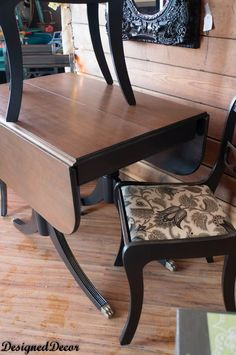 table ideas Super cool finish on these Duncan Phyfe style Drop Leaf Table and Chairs Antique Dining Tables, Dining Table Chairs, Dining Room Furniture, Room Chairs, Dining Sets, Kitchen Chairs, Office Chairs, Dining Rooms, Painted Chairs