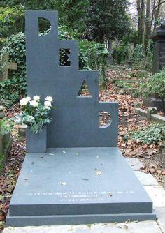 // Patrick Caulfield's grave