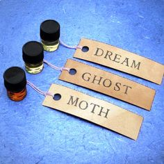 AU NATUREL - Our NEW All-Essential Oil Natural Perfume Sample Set by Scent by the Sea. $8.00, via Etsy.