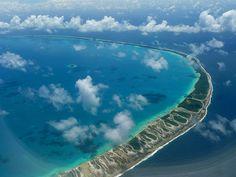 Tahiti, French Polynesia The Heart Of Travel Water Tahiti, Bora Bora, World's Most Beautiful, Beautiful Places, Beautiful Beach, Places To Travel, Places To Visit, Travel Destinations, Bon Point