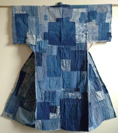 The layers of hand loomed cotton patches are delicious–as is the variety of cottons used in the mending and reinforcement of this sleeping kimono.