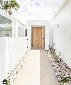 White Exterior Houses, Dream House Exterior, Dream Home Design, House Design, Carport Designs, Entry Way Design, Girl House, Facade House, House Goals