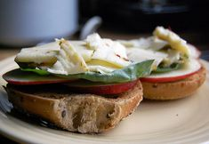 Apple, Cheese, Bagel Sandwich - perfect for a healthy lunch for work!