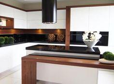 Luxury Kitchen Island, Home Decor Kitchen, Kitchen Interior Design Modern, Kitchen And Bath Design, Luxury Kitchen, Kitchen Inspiration Design, Kitchen Room Design, House Interior, Kitchen Style