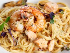 Try this delicious shrimp and pasta recipe that is fast, easy and a meal you can save in the fridge for days!