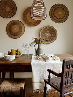 Rustic Dining Room by Jute Interior Design // hanging african baskets Home Interior, Interior Decorating, Decorating Ideas, Decor Ideas, Natural Interior, Wall Ideas, Kitchen Interior, Modern Interior, Interior Architecture