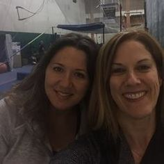Trapeze School New York (TSNY) Chicago - A fun and extreme physical & MENTAL exercise. This was the most unique fitness experience thus far (and a bit insane). Can't wait to go again! Jane Birgin Klempert Edan Joy Gelt Trainerly #joyoffitness #fitnessmom