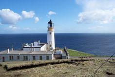 Tiumpan Head, Isle of Lewis, built 1900 (David A. Stevenson), automated 1985. Photo by Gordon Wilson, via Geograph