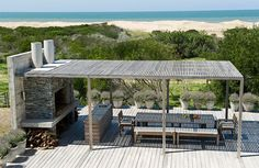 Villa Jose Ignacio, Punta del Este Even though early inside strategy, a pergola have been Outdoor Areas, Outdoor Rooms, Indoor Outdoor, Outdoor Living, Outdoor Decor, Parrilla Exterior, Outside Living, Architecture, Exterior Design