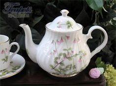 Heirloom Swedish Linnea Bone China 4 Cup Teapot