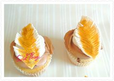 Feather cupcakes   sweetthingsbywendy.ca Cupcake Toppers, Cupcake Cakes, Cupcakes, Feather, Sweet, Candy, Cupcake, Feathers, Fur