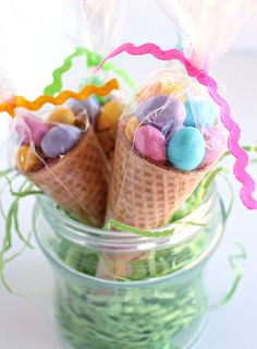 attractive easter treats easter classroom treats that are the cutest recipes of the season recipe magik Easter Snacks, Easter Candy, Hoppy Easter, Easter Treats, Easter Recipes, Easter Eggs, Easter Gift Bags, Easter Table, Egg Recipes