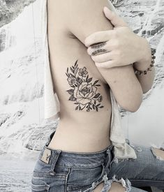 There are several explanations for why girls love tattoos. These tattoos will also signify that you're mindful of the newest trend, particularly in th. Hand Tattoos, Arm Tattoo, Side Boob Tattoo, New Tattoos, Body Art Tattoos, Sleeve Tattoos, Design Tattoo, Flower Tattoo Designs, Flower Tattoos