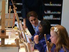 @gordonrayner: An unexpected visit to an art class with local kids #RoyalVisitNL