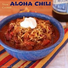Slow Cooker Aloha Chili makes an easy, meaty meal with sweet heat | cupcakesandkalechips.com #slowcooker #chili #beef #crockpot #glutenfree
