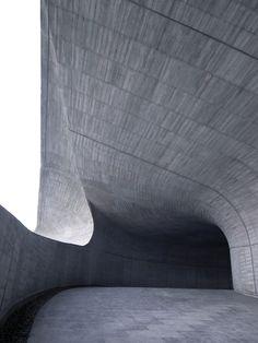 Galería de Administración de la oficina de turismo de Sun Moon Lake / Norihiko Dan and Associates - 12