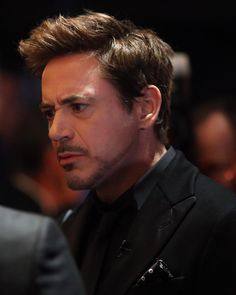 Caption this and I'll use the best one 😂 — Robert Downey Jr Young, Robert Downey Jnr, Robert Jr, Iron Man 3, Iron Man Tony Stark, Man Thing Marvel, Marvel Actors, Downey Junior, Tom Holland