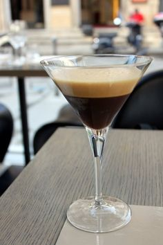 This Caffe Shakerato recipe hails from Italy! Delicious shaken iced espresso beverage great for sharing in the summer months. Serve in Martini glass. Espresso Drinks, Espresso Coffee, Iced Coffee, Coffee Drinks, Chocolate Baileys, Chocolate Syrup, Coffee World, Italian Coffee, Moka