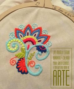 Mexican Embroidery, Crewel Embroidery, Paisley, Folk Art, Hand Sewing, Mandala, Projects To Try, Cloths, Stitches