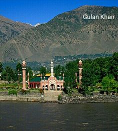 Great look of the Shahi Mosque Chitral valley kpk Pakistan Pakistan Zindabad, Pakistan Travel, Cheap Places To Go, Places To Visit, Beautiful Mosques, Beautiful Places, Religious Architecture, Natural Phenomena, Countries Of The World