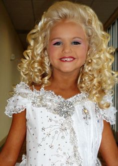 toddlers and tiaras Photo: T&T glitz Glitz Pageant, Pageant Girls, Beauty Pageant, Pagent Hair, Toddlers And Tiaras, Girl Doll Clothes, Girl Dolls, Cute Little Girls Outfits, Special Occasion Hairstyles