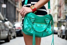 Soho New York, #soytendencia #nyfw15 Soho, Hermes, Balenciaga City Bag, New York, Shoulder Bag, Bags, Outfits, Fashion, Trends