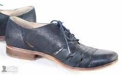 CLARKS HOTEL IMAGE Ladies Brogues Shoes Blue Leather Lace up Holes 8D Office